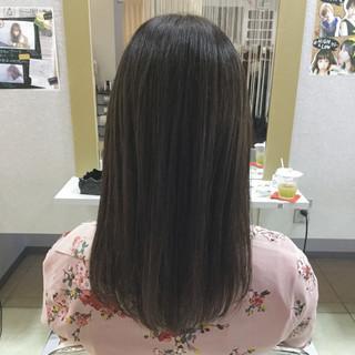 リラックス デート 外国人風 ロング ヘアスタイルや髪型の写真・画像
