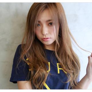 外国人風カラー 上品 3Dカラー ロング ヘアスタイルや髪型の写真・画像