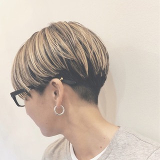 ショート バレイヤージュ ハイライト グラデーションカラー ヘアスタイルや髪型の写真・画像 ヘアスタイルや髪型の写真・画像