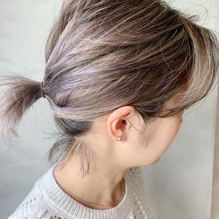 ラベンダーグレージュ アッシュグレー ハイライト ストリート ヘアスタイルや髪型の写真・画像