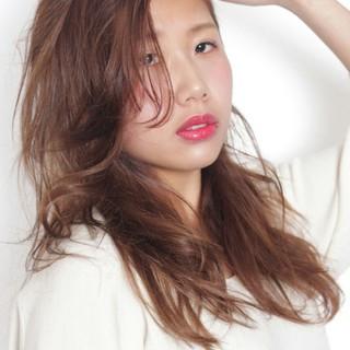 ロング うざバング 大人かわいい 外国人風 ヘアスタイルや髪型の写真・画像