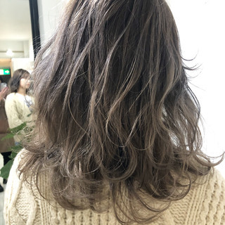 大人可愛い 圧倒的透明感 セミロング 外国人風カラー ヘアスタイルや髪型の写真・画像 ヘアスタイルや髪型の写真・画像