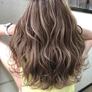 ミディアム ハイライト コントラストハイライト 外国人風 ヘアスタイルや髪型の写真・画像