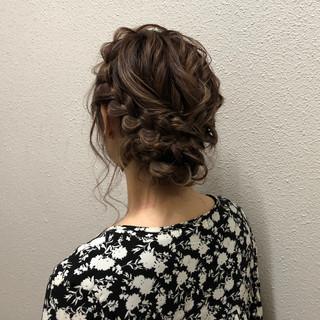 ふわふわヘアアレンジ ミディアム 結婚式ヘアアレンジ ヘアセット ヘアスタイルや髪型の写真・画像