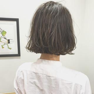 ゆるふわ ボブ アンニュイ オフィス ヘアスタイルや髪型の写真・画像