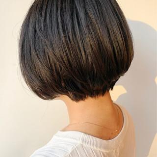 ショートヘア ショートボブ ショート 前下がりショート ヘアスタイルや髪型の写真・画像