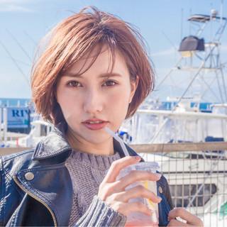 冬 30代 小顔 ショート ヘアスタイルや髪型の写真・画像