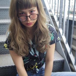 グレージュ アッシュ パーマ ガーリー ヘアスタイルや髪型の写真・画像