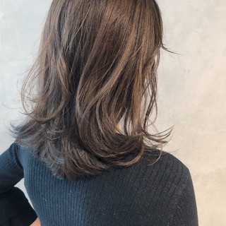 アンニュイほつれヘア 艶髪 ナチュラル うる艶カラー ヘアスタイルや髪型の写真・画像