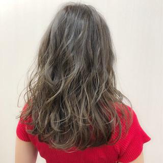ストリート デート セミロング グレージュ ヘアスタイルや髪型の写真・画像