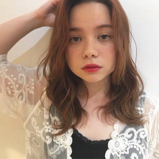 アンニュイほつれヘア ブリーチカラー 透明感カラー ナチュラル ヘアスタイルや髪型の写真・画像