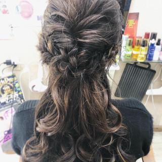 くるりんぱ 結婚式 編み込み ハーフアップ ヘアスタイルや髪型の写真・画像