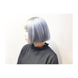 ボブ ストリート カーキアッシュ ホワイトアッシュ ヘアスタイルや髪型の写真・画像