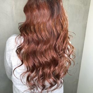グラデーションカラー ピンク ハイライト ヘアアレンジ ヘアスタイルや髪型の写真・画像