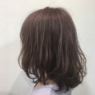 ミルクティー フェミニン ピンクアッシュ 春 ヘアスタイルや髪型の写真・画像