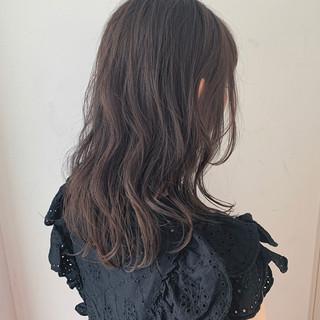 アディクシーカラー 透け感アッシュ 透明感 セミロング ヘアスタイルや髪型の写真・画像