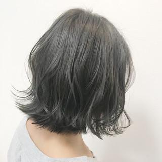 ミディアム アッシュグレージュ グレージュ ショート ヘアスタイルや髪型の写真・画像