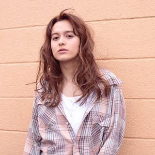 パーマ ラフ 外国人風 ウェーブ ヘアスタイルや髪型の写真・画像