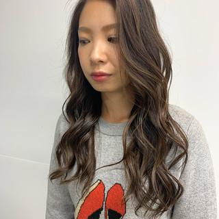 大人ハイライト ロング コントラストハイライト 極細ハイライト ヘアスタイルや髪型の写真・画像