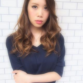 パーマ 大人かわいい ハイライト 外国人風 ヘアスタイルや髪型の写真・画像