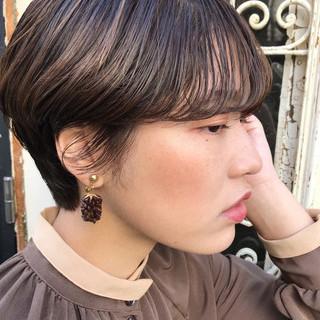 モード ショート 透明感 ハイライト ヘアスタイルや髪型の写真・画像