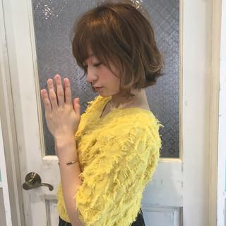 ミニボブ 大人可愛い フェミニン 切りっぱなしボブ ヘアスタイルや髪型の写真・画像