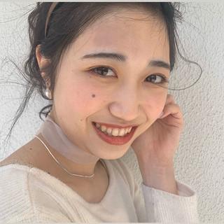 ミディアム ヘアアレンジ ナチュラル ふわふわヘアアレンジ ヘアスタイルや髪型の写真・画像