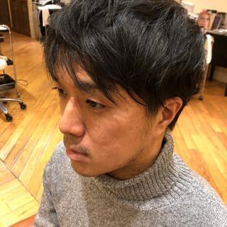 メンズスタイル シンプル メンズ ナチュラル ヘアスタイルや髪型の写真・画像