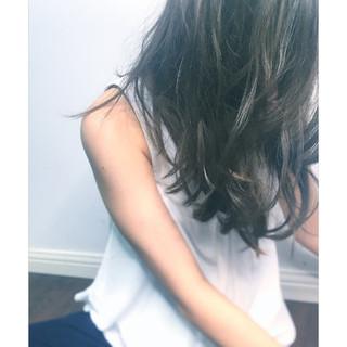 ゆるふわ ブルージュ パーマ ロング ヘアスタイルや髪型の写真・画像