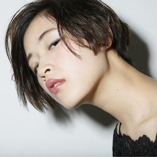 外国人風 パーマ 黒髪 ショート ヘアスタイルや髪型の写真・画像 ヘアスタイルや髪型の写真・画像