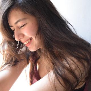 暗髪 ゆるふわ ストレート 大人かわいい ヘアスタイルや髪型の写真・画像