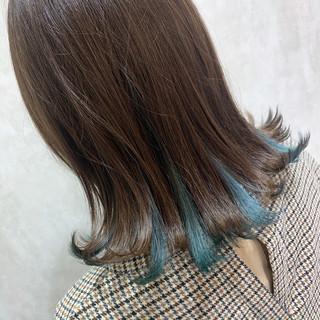 ミニボブ インナーカラー 切りっぱなしボブ ボブ ヘアスタイルや髪型の写真・画像
