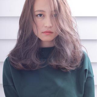 ゆるふわ 外国人風 ミディアム ナチュラル ヘアスタイルや髪型の写真・画像