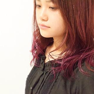 ブリーチ フェミニン セミロング ピンクカラー ヘアスタイルや髪型の写真・画像
