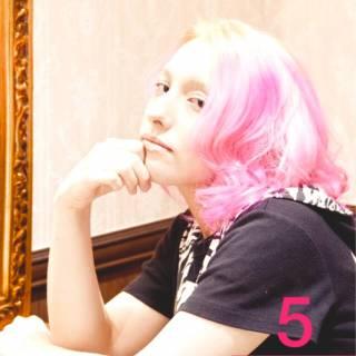 ミディアム ピンク ストリート グラデーションカラー ヘアスタイルや髪型の写真・画像