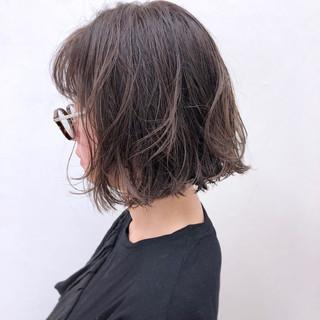 アンニュイ グレージュ ゆるふわ ボブ ヘアスタイルや髪型の写真・画像
