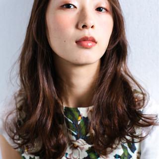 外国人風 ウェーブ コンサバ セミロング ヘアスタイルや髪型の写真・画像