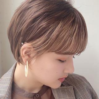 ショートヘア ハイトーン 前髪あり ショート ヘアスタイルや髪型の写真・画像