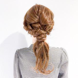 オフィス アウトドア フェミニン ロング ヘアスタイルや髪型の写真・画像
