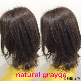 ヘアカラー グレージュ ミディアム ナチュラル可愛い ヘアスタイルや髪型の写真・画像