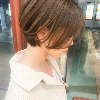 オフィス コンサバ ショート 横顔美人 ヘアスタイルや髪型の写真・画像
