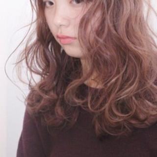 ウェーブ 冬 セミロング ゆるふわ ヘアスタイルや髪型の写真・画像