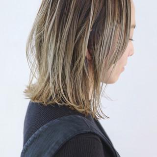 バレイヤージュ ミディアム 抜け感 外国人風 ヘアスタイルや髪型の写真・画像