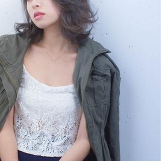大人女子 ハイライト 小顔 暗髪 ヘアスタイルや髪型の写真・画像