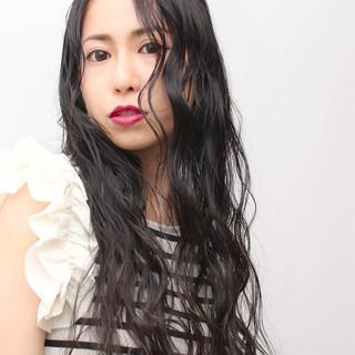 暗髪 夏 ナチュラル パーマ ヘアスタイルや髪型の写真・画像
