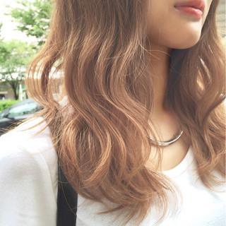 グラデーションカラー 前髪あり 大人かわいい ナチュラル ヘアスタイルや髪型の写真・画像