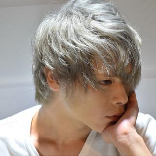 ホワイトアッシュ パーマ ショート メンズ ヘアスタイルや髪型の写真・画像