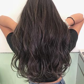 ネイビー ハイトーン ロング 3Dカラー ヘアスタイルや髪型の写真・画像