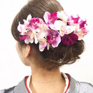 フェミニン ロング 成人式 花 ヘアスタイルや髪型の写真・画像