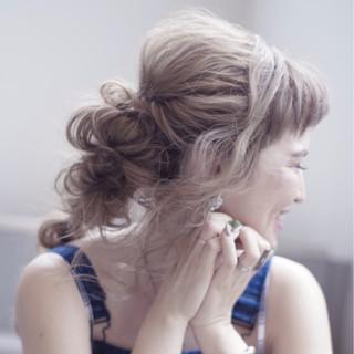 オン眉 フェミニン 涼しげ ロング ヘアスタイルや髪型の写真・画像 ヘアスタイルや髪型の写真・画像